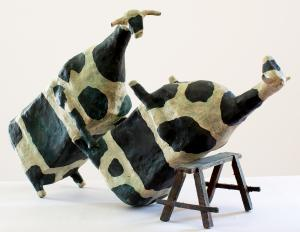 John KELLY (b.1965) - TWO COWS ON TRESTLE